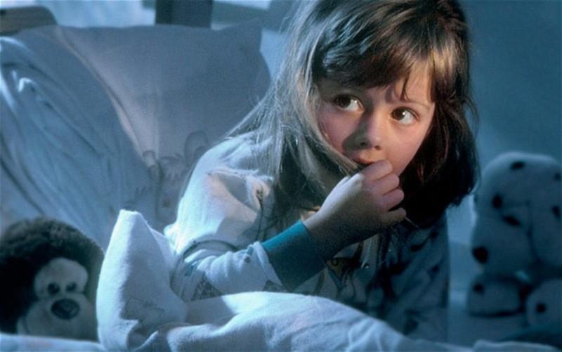 Если ребёнок боится темноты.