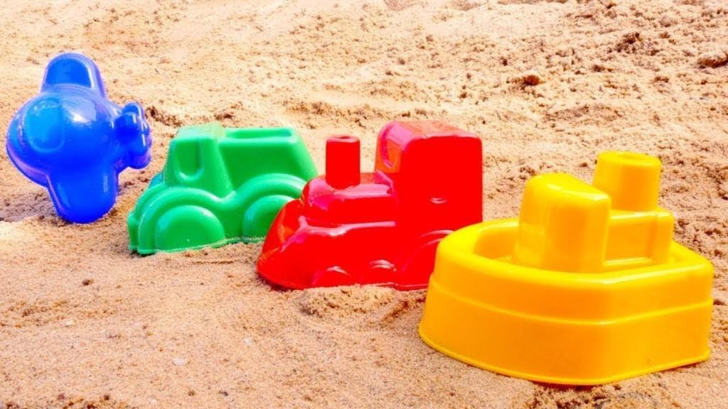 Упражнения для детей на знакомство с мокрым песком